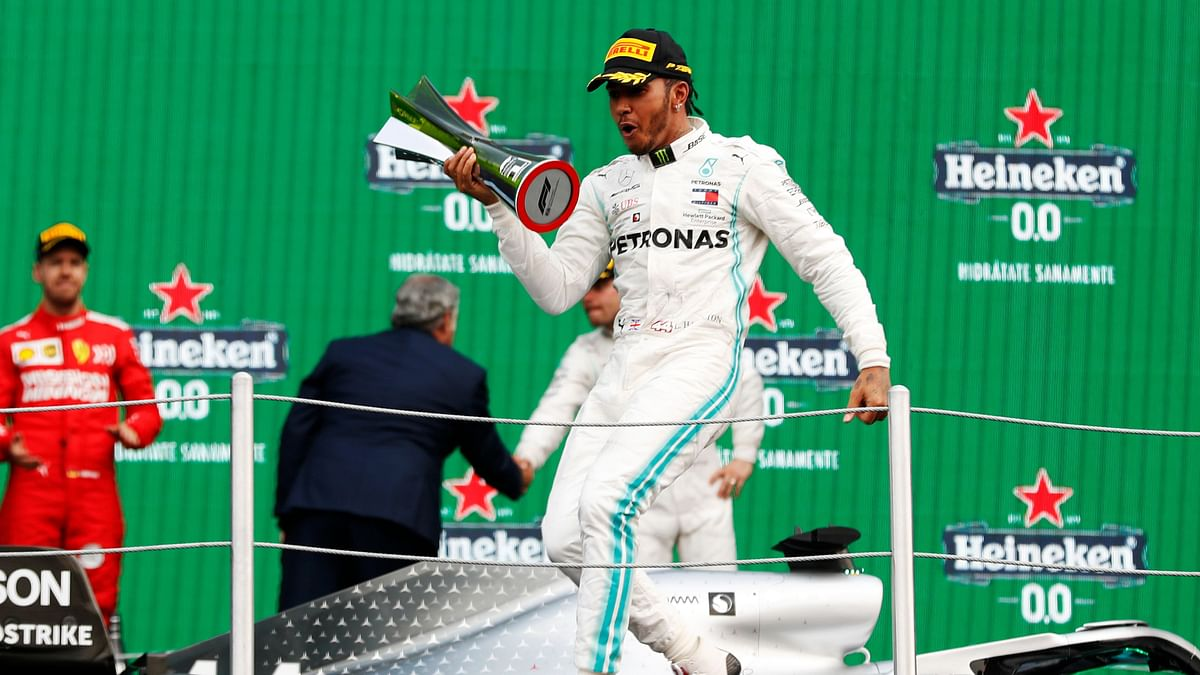Lewis Hamilton Wins Mexican Grand Prix, Vettel Finishes Second