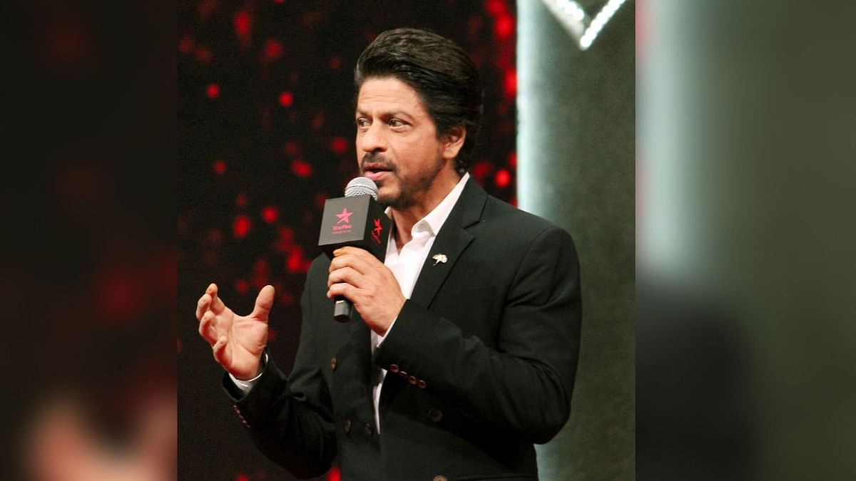 Shah Rukh Proves He's the King of Wit Yet Again With #AskSRK