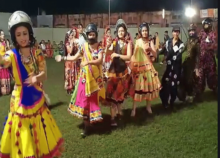 From Hip Hop, Road Safety to Chandrayaan – Garba Gets a Makeover