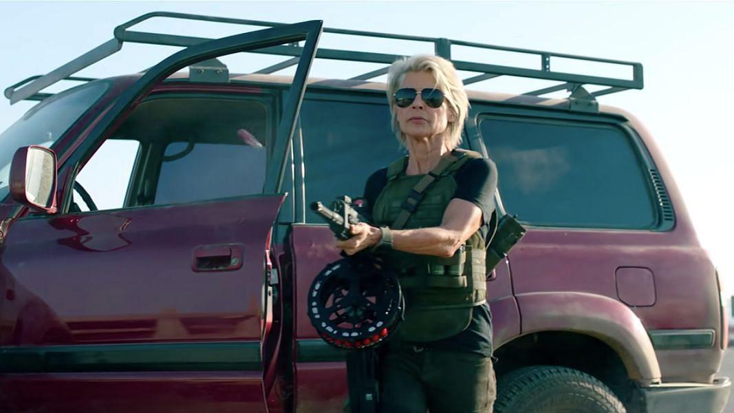 Sarah Connor (Linda Hamilton) kills Terminators and she's good at it.