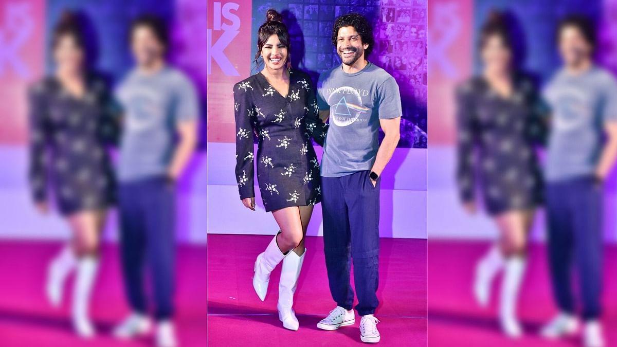 In Pics: Priyanka and Farhan Inaugurate the 'Wall of Love'