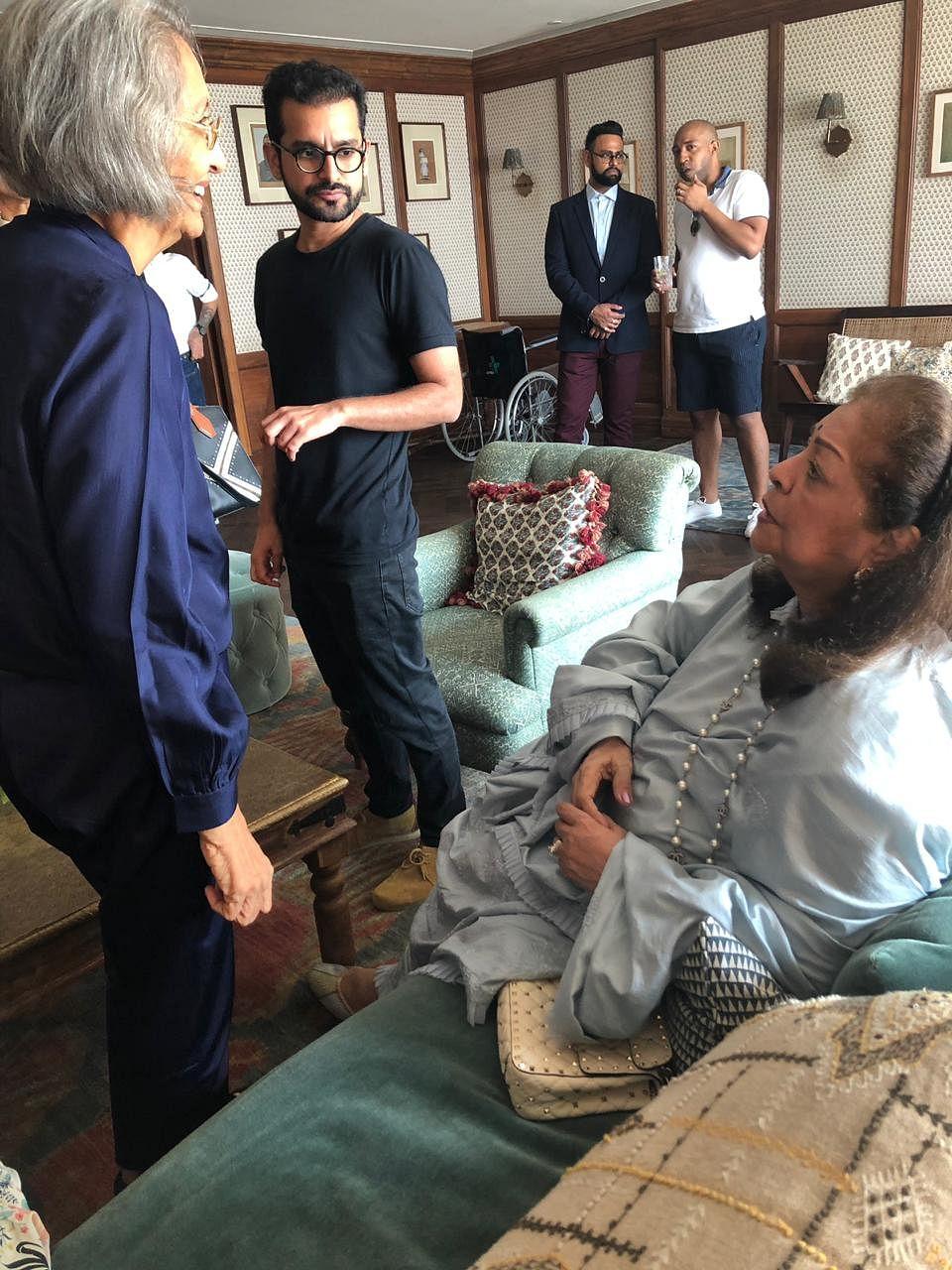 Shakun Batra and Hiroo Johar with Ma Anand Sheela.