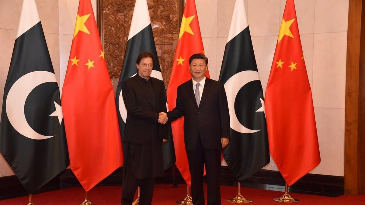 Ahead of Xi's Visit to India, Pak PM Imran Khan Meets Xi in China