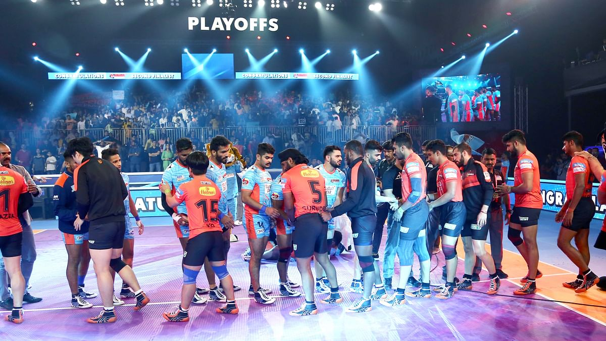 Bengal Warriors celebrate after entering the 2019 IPL final.