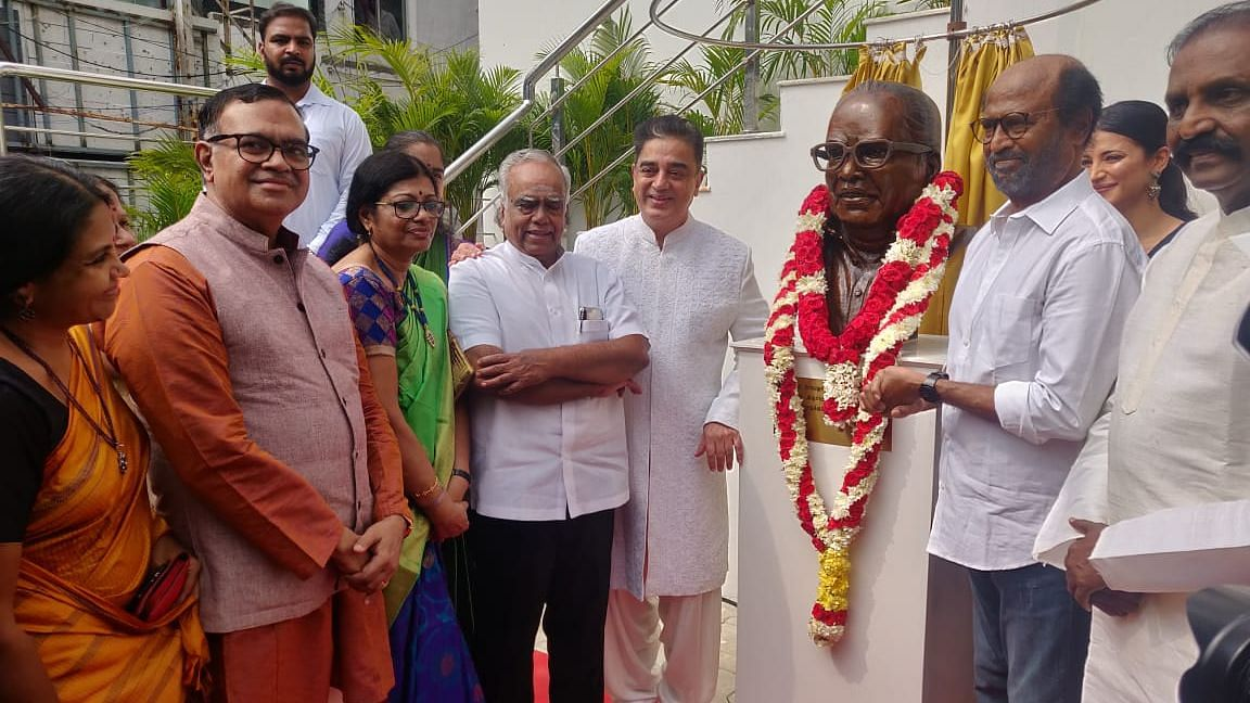 Actors Kamal Haasan and Rajinikanth at the unveiling of the statue of writer and director K Balachandar.