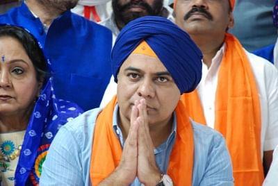 Hyderabad: Telangana Minister K. T. Rama Rao offers prayers to Guru Nanak Dev during the 550th birth anniversary celebrations of the first Sikh Master, in Hyderabad on Nov 12, 2019. (Photo: IANS)
