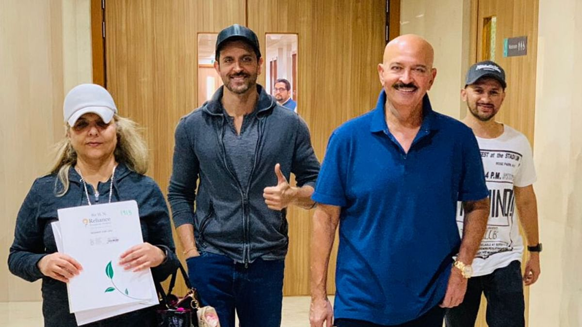 Here's How Hrithik Reacted to Rakesh Roshan's Cancer Diagnosis