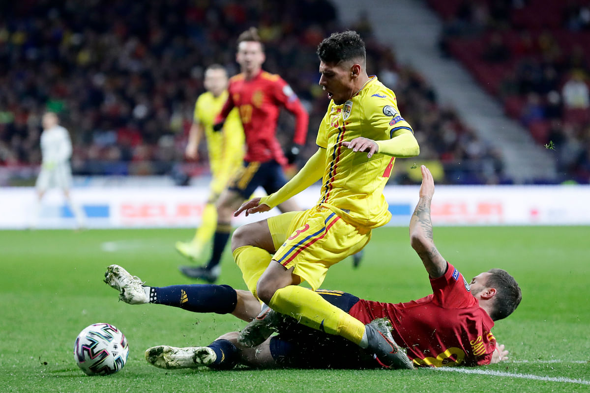Spain's Gerard Moreno, 2nd left, scores his side's second goal during the Euro 2020 group F qualifying game between Spain and Romania at the Metropolitano stadium in Madrid.