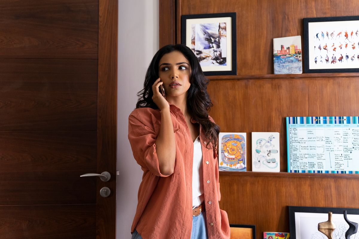 Shriya Pilgaonkar plays a journalist in the show.