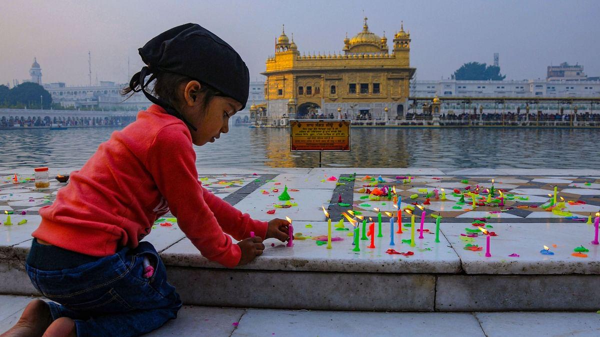 Guru Nanak Jayanti 2019: Devotes Flock to Gurdwaras, Pay Obeisance