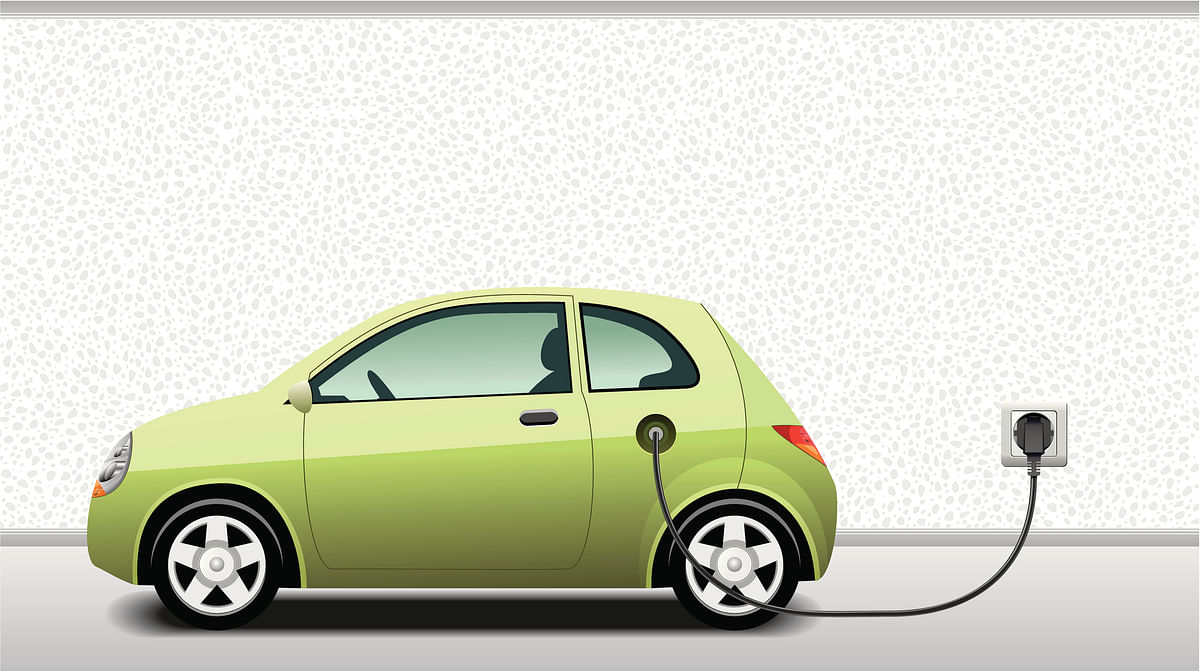 Reports suggest more than 7.2 lakh electric vehicles have been registered in Delhi till now.
