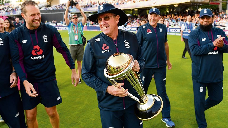 Trevor Bayliss with the World Cup trophy.