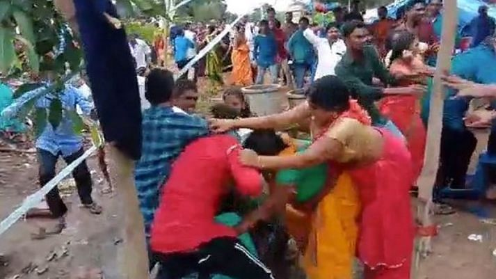 Bride & Groom's Families Fight At Wedding In Telangana, 3 Injured
