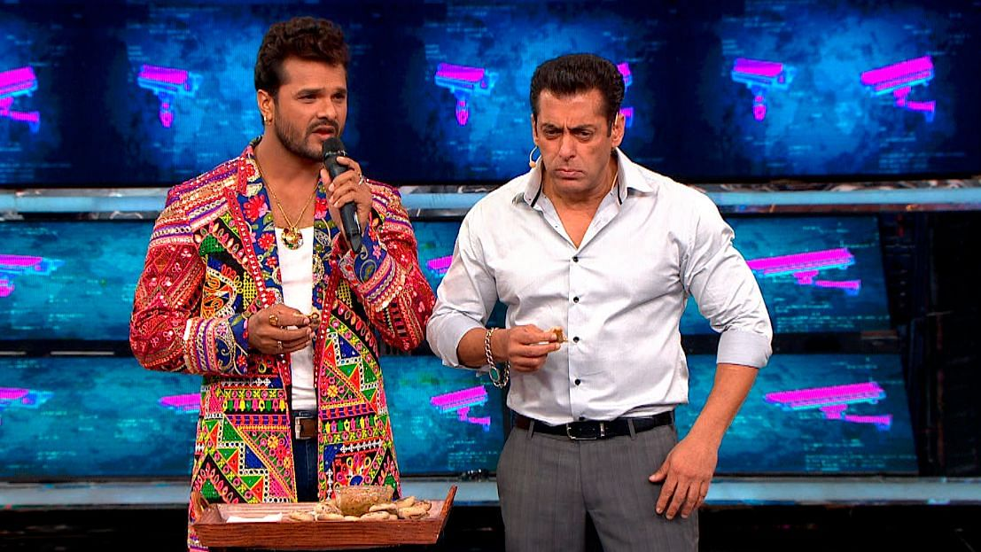Salman with Bhojpuri star Khesari Lal Yadav.