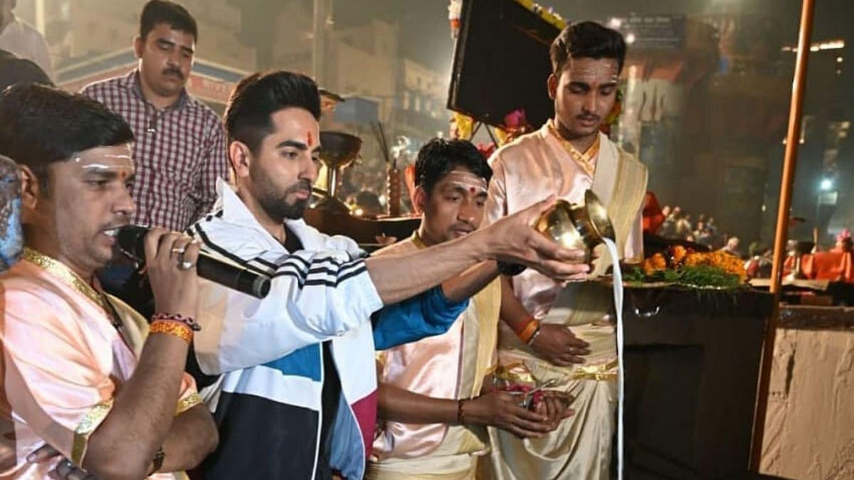 Ayushmann Khurrana performing Ganga <i>aarti</i> at Varanasi.