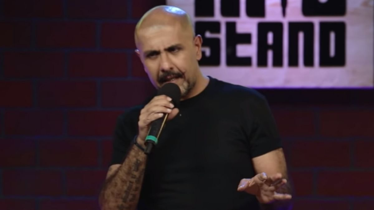 One Mic Stand: Vishal Dadlani's  Jokes Are Weak, Not His Presence