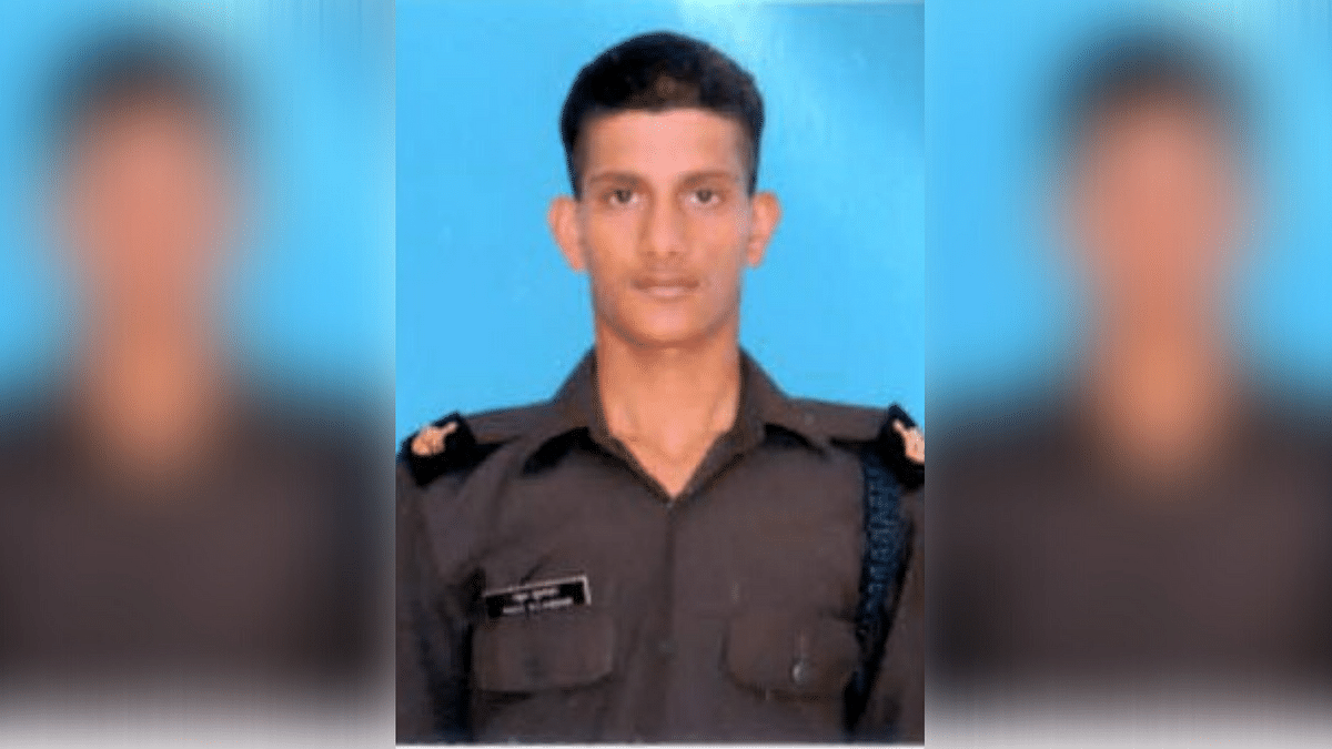 21-year-old Sepoy Rahul Bhairu Sulagekar was martyred in the line of duty along the LoC on 8 November.