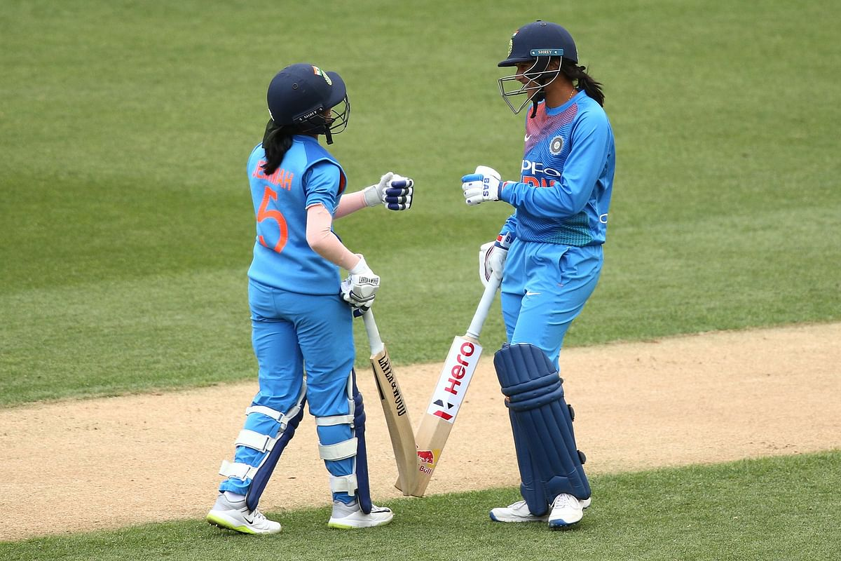 Comeback-girl Smriti Mandhana and Jemimah Rodrigues hit contrasting half-centuries to lead the Indian women's team to a 2-1 series victory.
