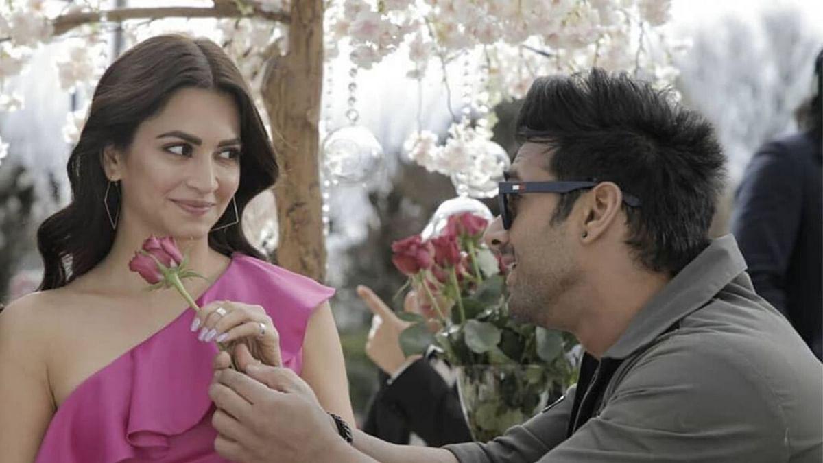 Kriti Kharbanda is dating Pulkit Samrat.