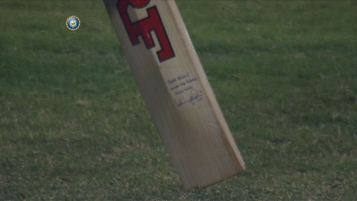 Prithvi Shaw's Bats Has a Special Hand-Written Message from Virat