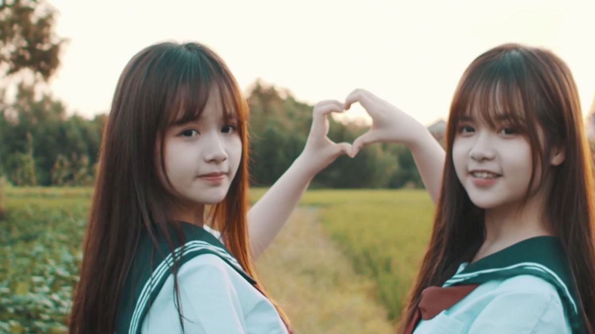Twins Use TikTok Fame to Study Abroad With Earnings