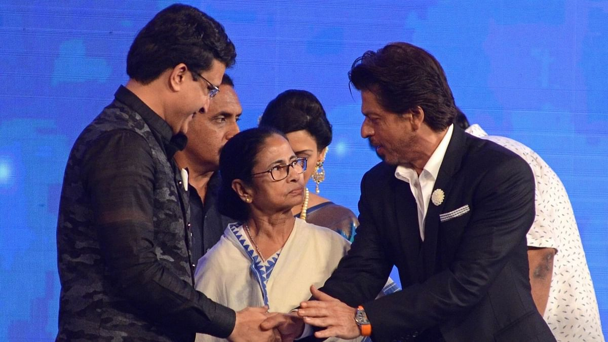 Watch: Mamata Banerjee Scolds SRK at Kolkata Film Festival