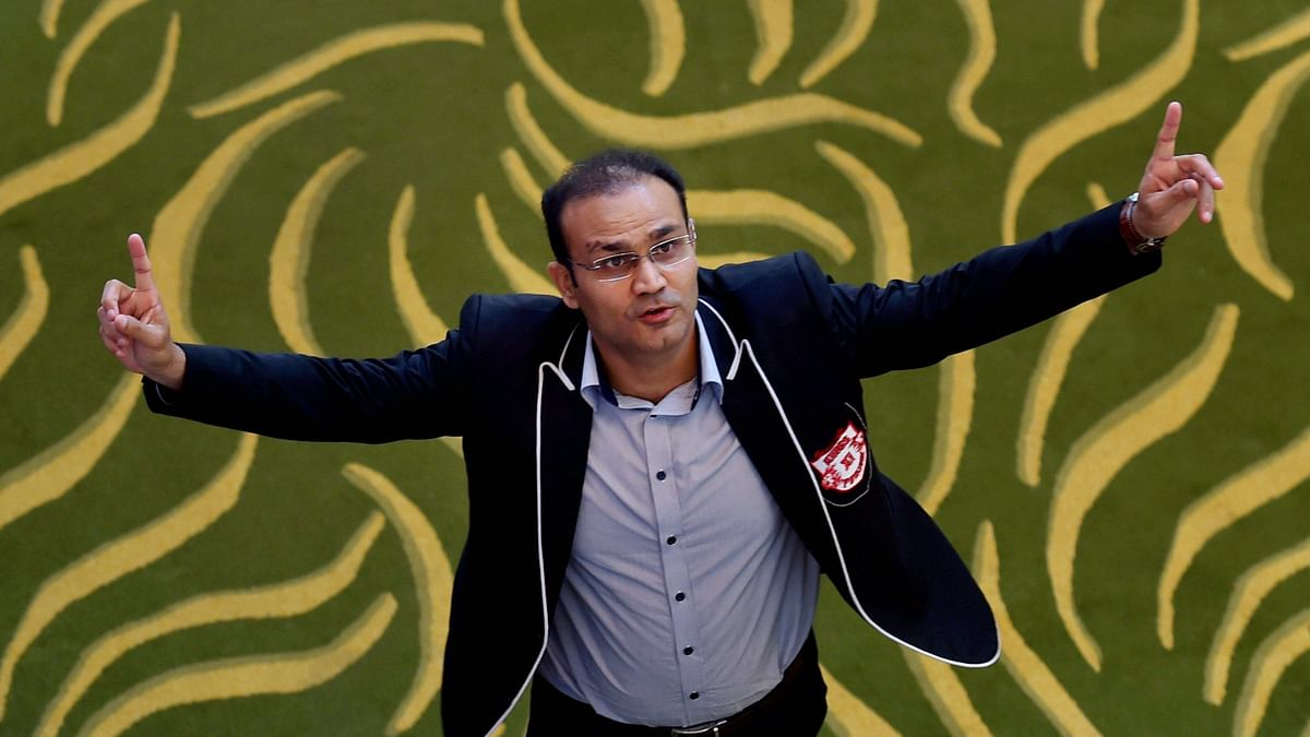 'Tried all tricks including Steve Smith trying to remove Pant's batting guard marks,' tweeted Sehwag.