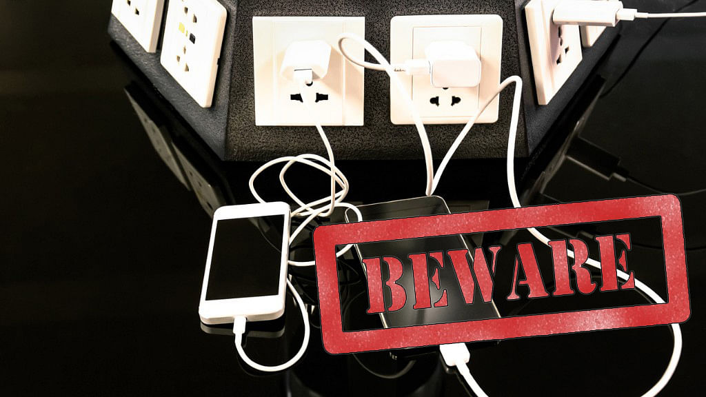 Hackers Steal Money By Planting Malware in Public Mobile Chargers
