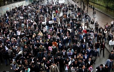 KABUL, Nov. 11, 2015 (Xinhua) -- Afghans march during a protest in Kabul, Afghanistan, Nov, 11. 2015. Thousands of people staged a massive demonstration in Kabul on Wednesday condemning the barbaric beheading of seven civilians by militants in the southern Afghan province of Zabul last Saturday. (Xinhua/Omid/IANS)