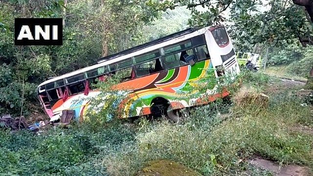 5 Killed, 40 Injured in Bus Accident on Mumbai-Pune Highway