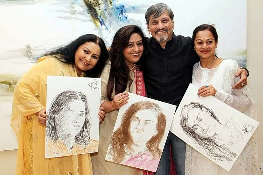 Amol Palekar with his leading ladies Vidya Sinha, Bindiya Goswami and Zarina Wahab.