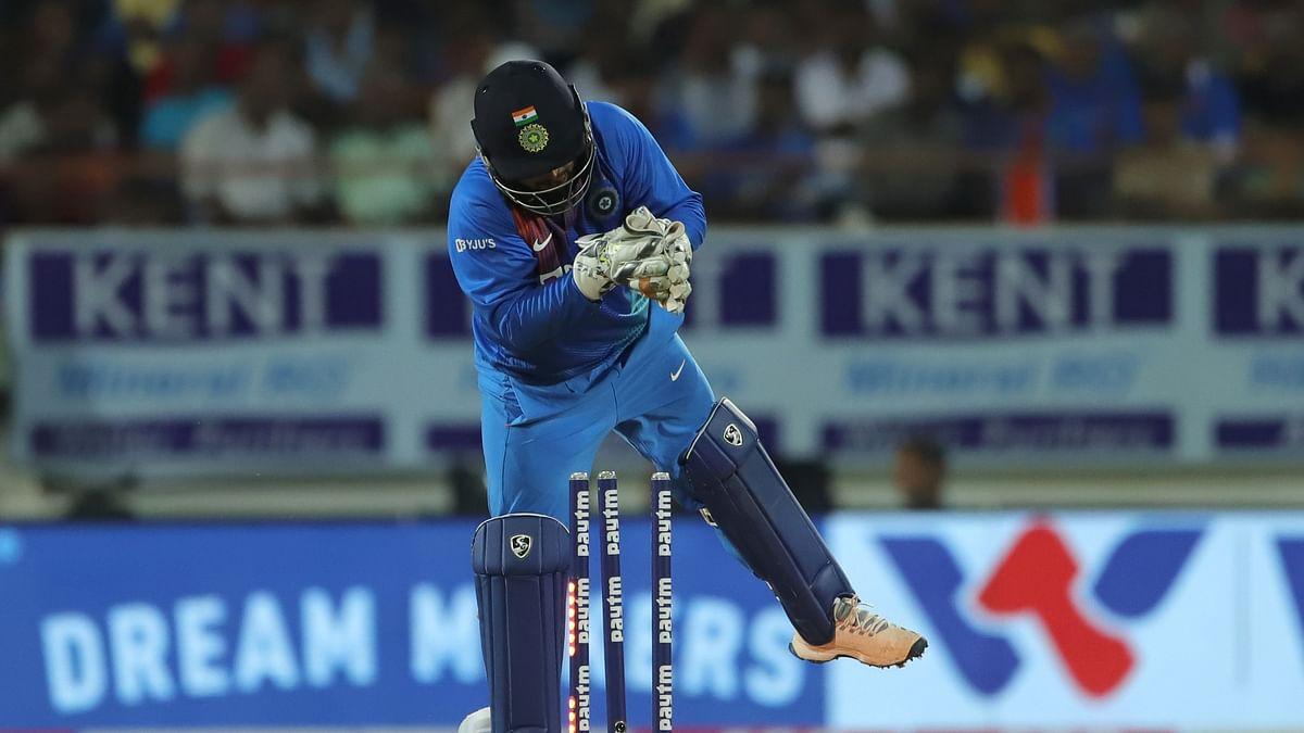 Rishabh Pant Makes Big Wicket-Keeping Error, Costs India a Wicket
