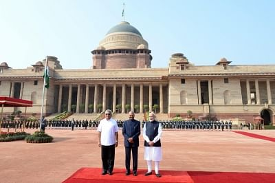 New Delhi: President Ram Nath Kovind, with Prime Minister Narendra Modi receives Sri Lankan President Gotabaya Rajapaksa, during his ceremonial reception in Rashtrapati Bhavan on Nov. 29, 2019. (Photo: IANS)