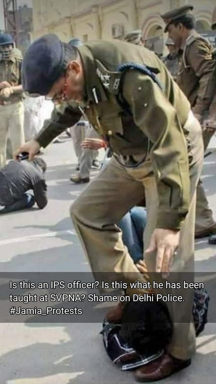 IPS Officer Stepping On Jamia Student? No, Image Is From Lucknow