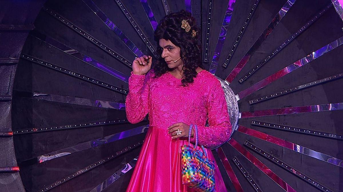 Comedian Sunil Grover enters the <i>Bigg Boss </i>house.