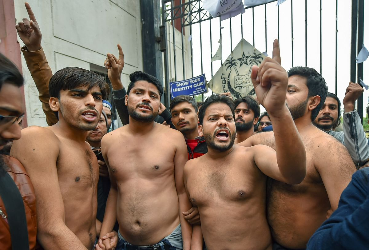 Jamia Students Protest 'Bare-Bodied', Demand Action Against Police