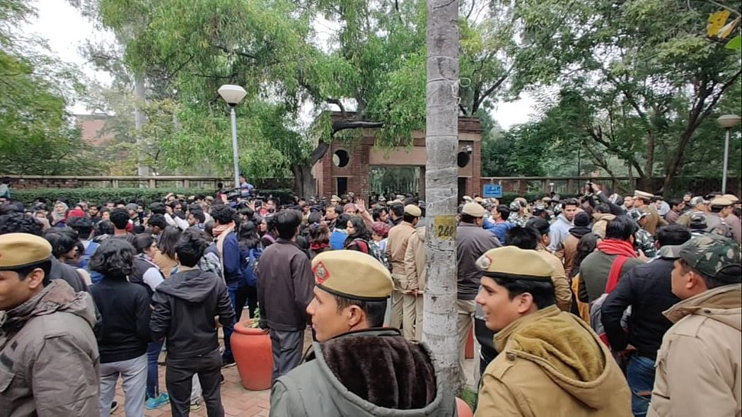 Amid Anti-CAA Stir, DU Calls for Prior Intimation of Any Protest