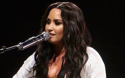 Singer Demi Lovatos.