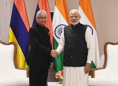 Prime Minister Narendra Modi and Mauritian Prime Minister Pravind Jugnauth. (File Photo: IANS)