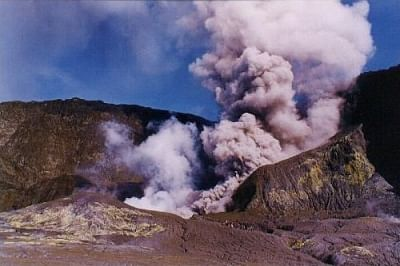 Volcano tourism in the spotlight after NZ eruption