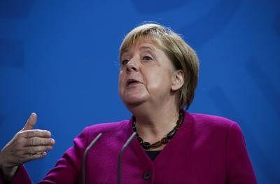 "Merkel expresses ""deep shame"" during visit to Auschwitz"