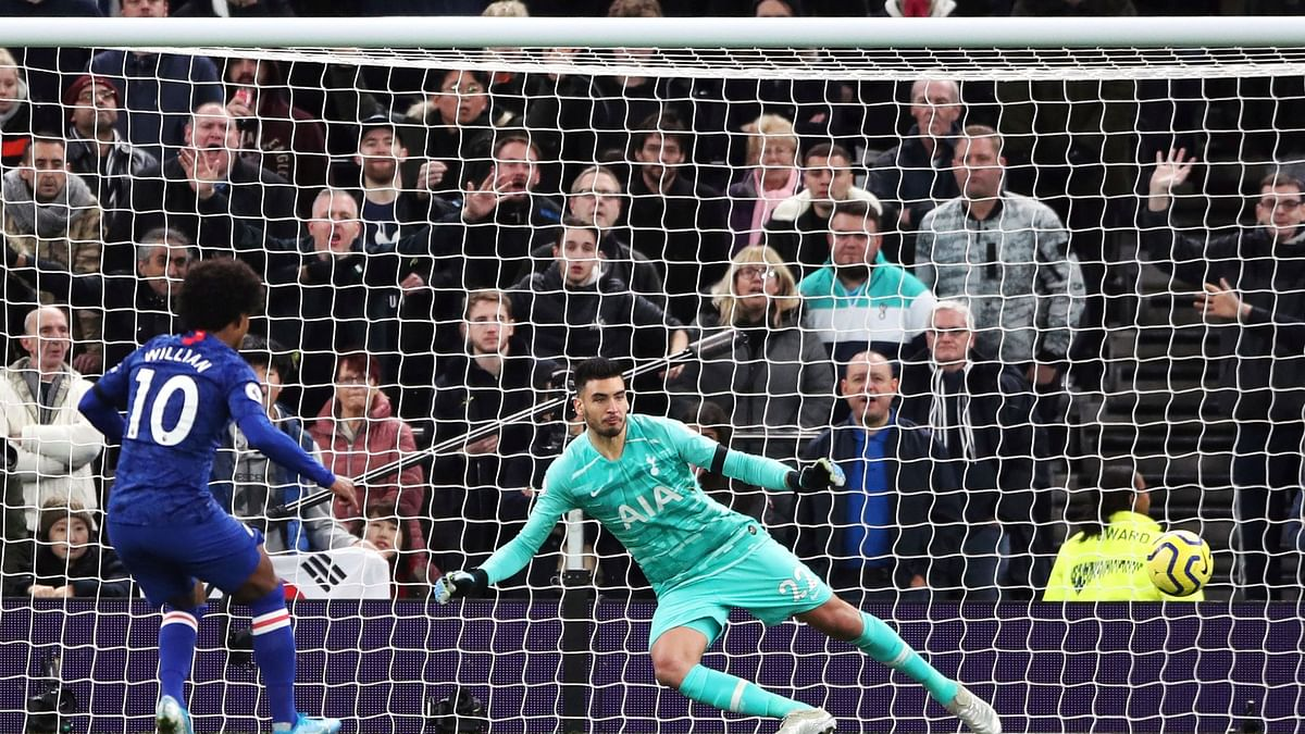 Willian converted the penalty for his second goal of the game.
