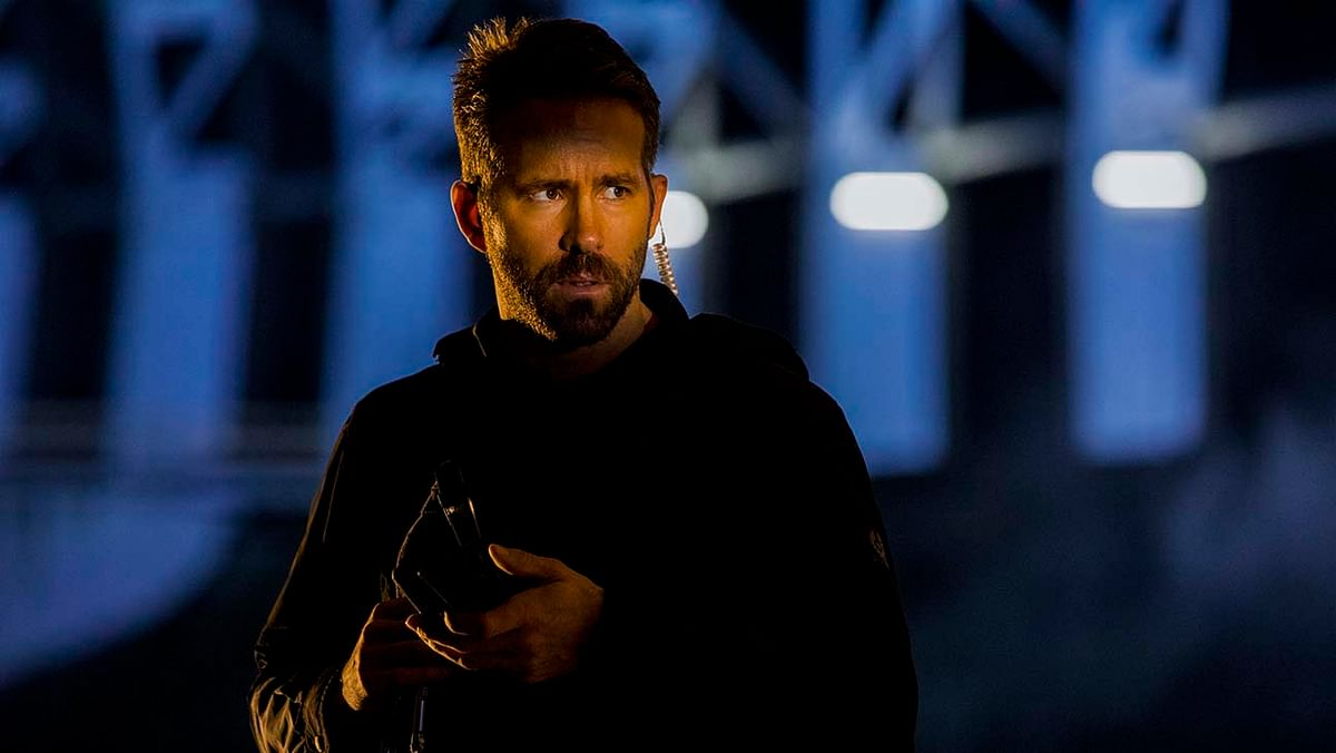 """Ryan Reynolds as """"One"""" leads the pack of actors in <i>6 Underground</i>."""