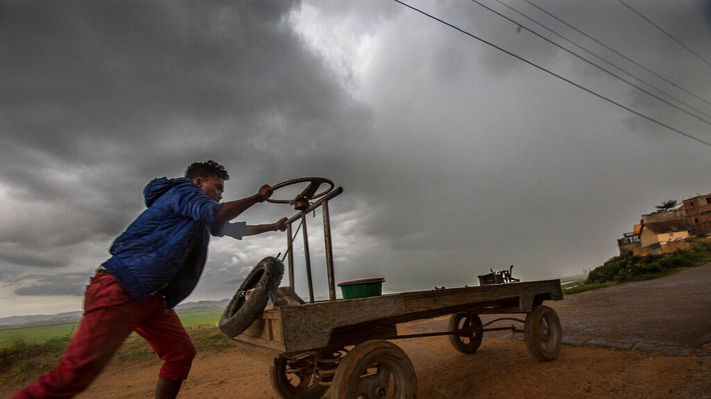9 Killed, Over 1,400 Homeless as Cyclone Belna Hits Madagascar