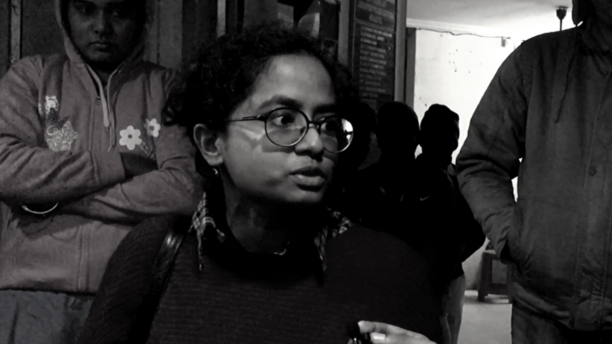 Speaking to <b>The Quint</b> outside Jadavpur Police Station, where the FIRs have been lodged, Amrita recounts her harrowing experience.