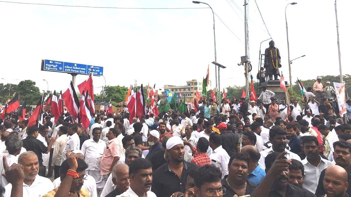 There was a huge turnout at the DMK rally against CAA.
