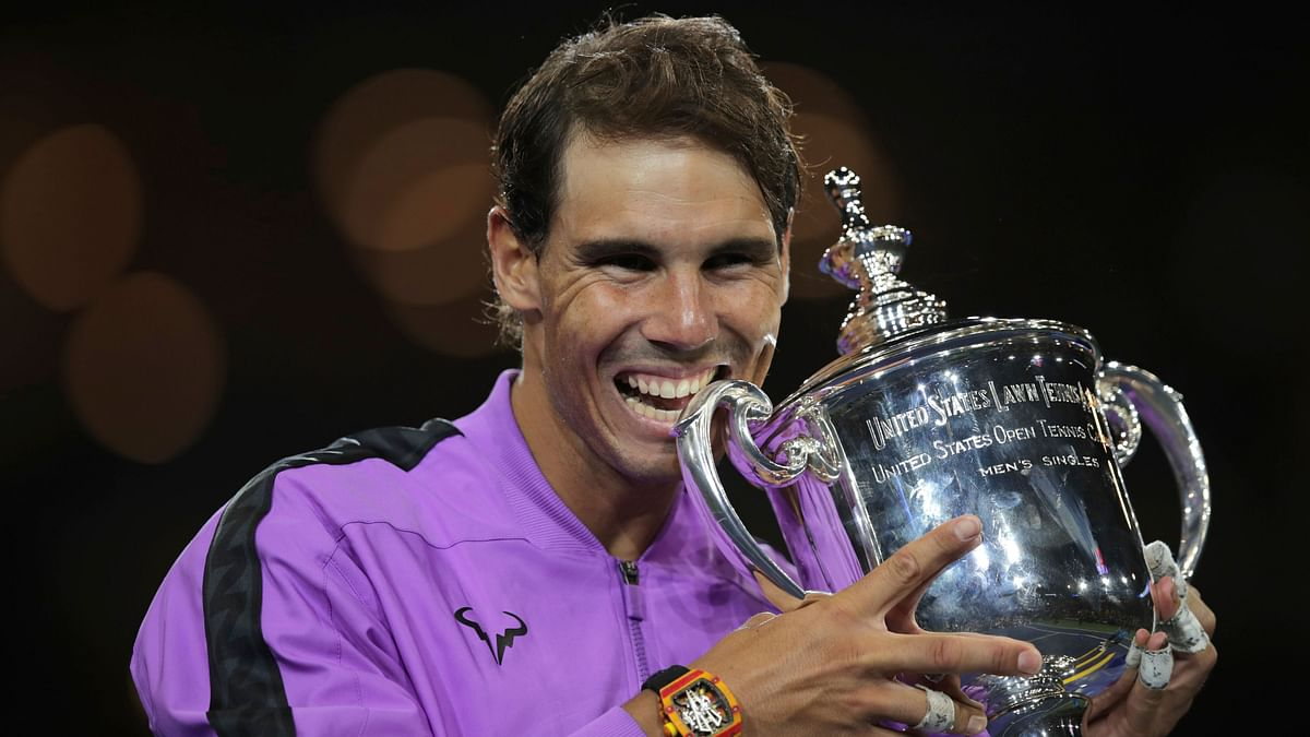 Rafael Nadal with the 2019 US Open trophy.