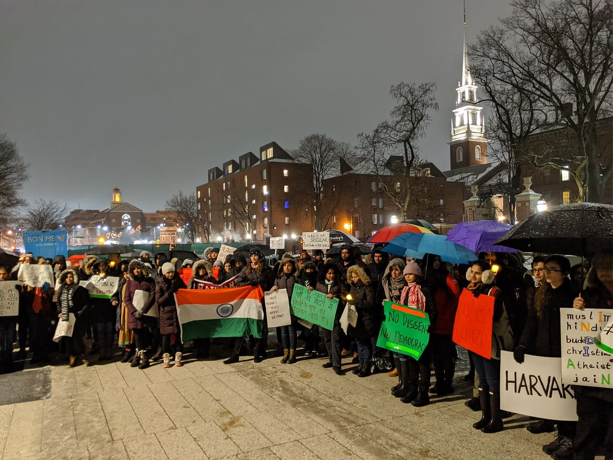Braving cold, students protest at Harvard.