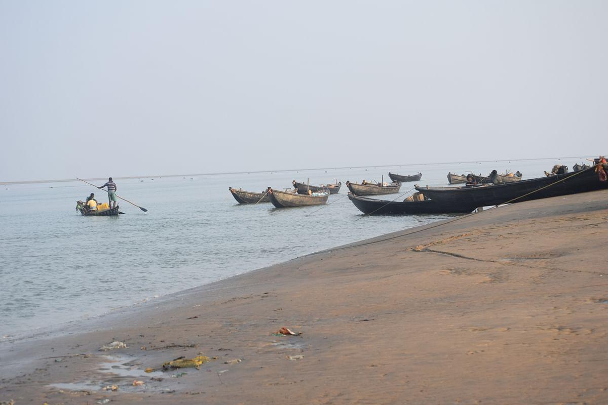 Beach near Chaumukh village.