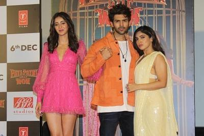 "Mumbai: Actors Kartik Aaryan, Ananya Pandey and Bhumi Pednekar at the trailer launch of their upcoming film ""Pati Patni Aur Woh"" in Mumbai on Nov 4, 2019. (Photo: IANS)"